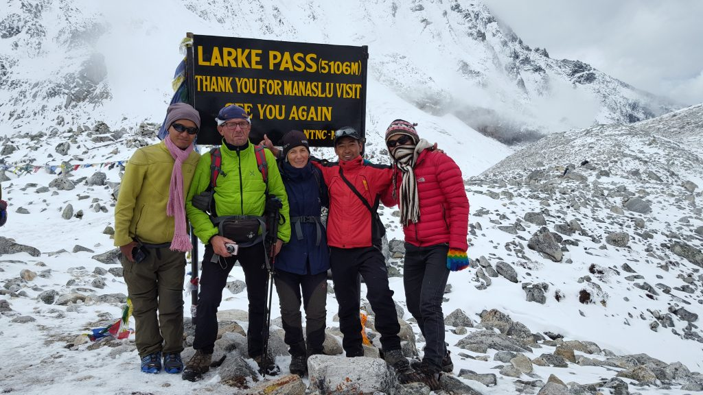 Manaslu Trek via Larke Pass